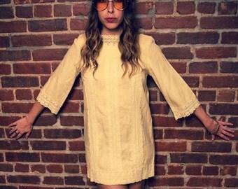 Vintage 60s Cream Mod Hippie Shift Dress