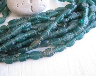 Rustic green glass beads  ,  matte lampwork beads,  flat oval organic ethnic, Indonesian, replica of old antique beads,10 beads, 6a7-3