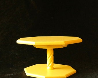 Yellow Lazy Susan with Twisted Spindle