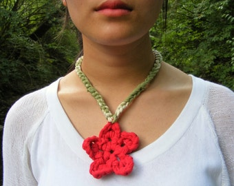 Crochet Necklace Red, Crocheted Flowers Red, T-Shirt Yarn Necklace, Braided Necklace, Woven Necklace, Tie Dye Yarn, Upcycled, Red Rose