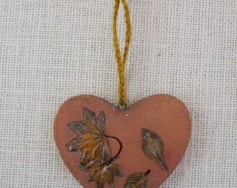 Hanging Ceramic Heart - Two-Sided Wall Decoration Made with Pressed Real Leaves - Chubby Romantic Heart - Botannical Decoration - Gardener
