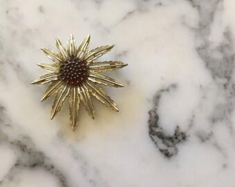Starburst Sunflower Gold Tone Brooch Pin . Flower Sarah Coventry
