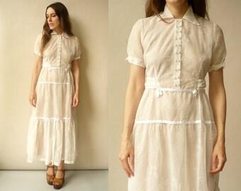 1950's Vintage White Sheer Bohemian Wedding Maxi Dress With Peter Pan Collar Size S/M