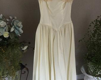 Vintage 1940s Wedding Gown, antique bridal gown with Bonnet Style Headpiece