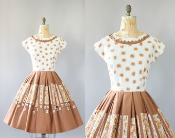 Vintage 50s Dress/ 1950s Cotton Dress/ Brown & Orange Daisy Print Cotton Dress w/ Full Skirt M