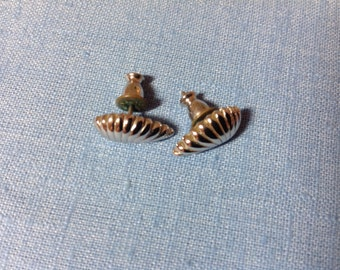 Vintage Monet Earrings, pierced stud earrings, pierced earrings, post earrings, leaf design
