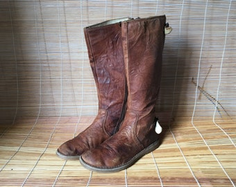 Vintage Lady's Brown Leather Flat Boots Size: EUR 36 US Woman 6