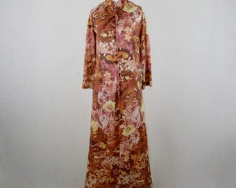 1970s Butterfly and Flowers Photo Print Nylon Maxi Robe Zip Front Small