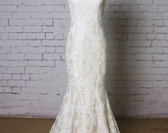 Spaghetti Strap Wedding Dress Mermaid style Wedding Dress Classic Ivory Lace Bridal Gown with Champagne underlay