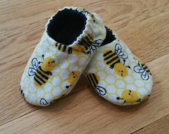 Bumble bee shoes baby, flannel crib shoes, gender neutral soft sole baby shoes, lined baby slippers, unisex baby shower