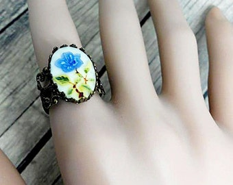 Resin Flower Ring, Oval Shape Ring, Adjustable Ring, Vintage Style Ring, Bridesmaid Accessory, Friendship Gift, Unique Jewelry, Crown Ring