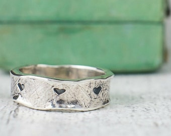 Hearts Silver Ring  –  Happily Ever  After  Ring - Textured  Sterling Silver Ring - Eternity Ring - gift for wife - gift for Mothers Day