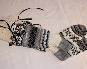 Knee high hand knit socks. Women'size medium, shoe size US 7-9 EUR 39 - 41. Handmade, hand knit.