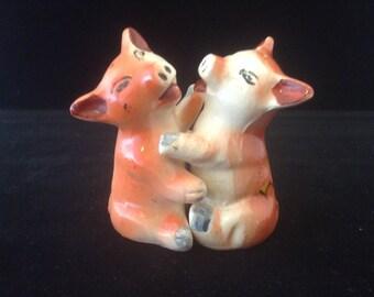 Hugger Pig salt and pepper shakers #1