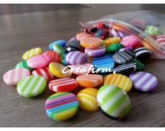100 cabochons with multicolored stripes