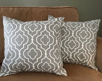 "Grey Quatrefoil pillow cover set (18""x18"")"