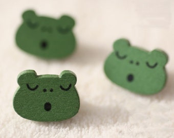 10 pieces wood Button,frog pattern wood button,button for child,18 mm x 13 mm(200D33)