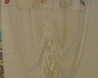 Shabby Chic Vintage Window Curtain/Vintage Crochet