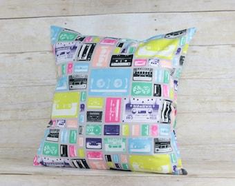 retro print pillow cover