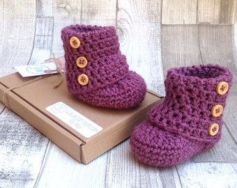 Baby girl booties, Crocheted purple booties, Baby shower, New born newborn baby, 0-3 3-6 months, Purple gift for baby,Ugg boots