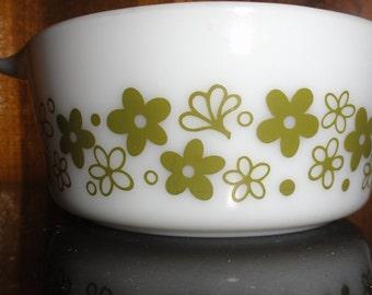 Vintage Pyrex 472 1-1/2 PT. Cinderella Avocado Spring Blossom Crazy Daisy Pattern Handled Casserole Dish