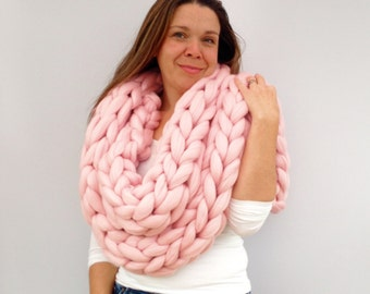 Giant knitted Scarf, 70+ colours Giant Extreme Infinity chain scarf, Super chunky bulky scarf, knitting Merino, chunky yarn,