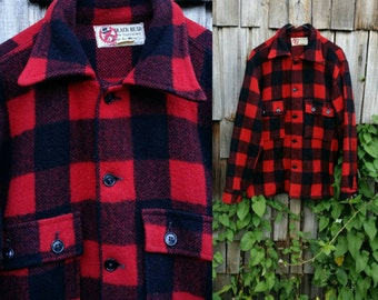 Vintage red Flannel Plaid shirt Black grunge button up Oversized flannel 1970s lumberjack Long sleeve - Large