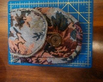 Cloth belt pouch