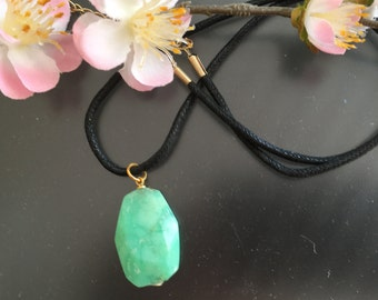 Real Chrysoprase pendant with genuine Participantses cloth cord pendant with cord
