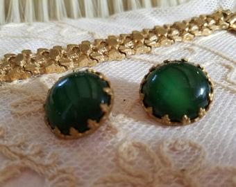 Glamorous 50's Jade Green Cabochon Earrings - Rockabilly Jewelry - Clip On Earrings - Liz Tayor - Jackie O - Camelot