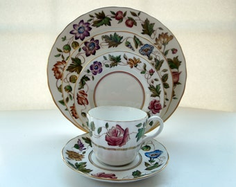 1955 Vintage Royal Worcester 5 Piece Place Setting Virginia Flowers Morning Glory Roses Wedding Anniversary Birthday Gift
