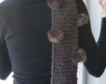Brown chenille scarf with pompoms