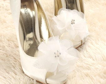 wedding shoe clip, bridal shoe clip, white shoe clips, bridal shoes clips, wedding shoes clips, flower shoe clips, organza shoe clips
