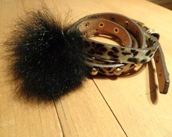 Bracelet-belt trimmed with fur!