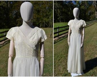 1960s Cream Floral Lace Wedding Dress