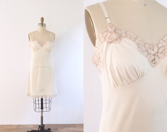 Vintage Cream Lace Slip | small/medium