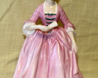 Royal Doulton A Hostess of Williamsburg Figurine HN 2209 1960 to 1983 Discontinued
