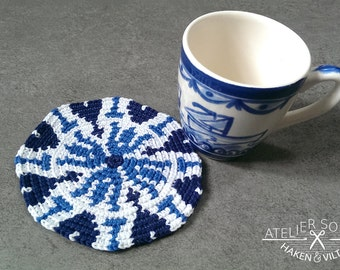 Tapestry coaster crochet pattern Delft blue (no.4)