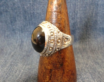 Vintage Sterling Silver and Black Stone Ring