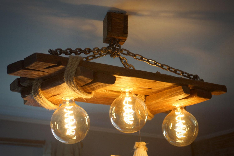 Deckenleuchte aus altem holz jute seil stahlkette rustikal for Holz deckenleuchte