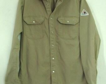 A Men's Vintage 90's FIRE RESITANT Tan KHAKI Western Shirt By Bulwark.M