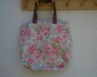 Line faded floral tote bag