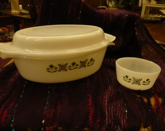 Anchor Hocking Fire King Ovenware  Meadow Green Casserole with Lid