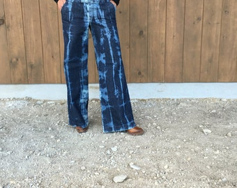 Banana Republic denim wide leg pants size 6.  Bleached to perfection!