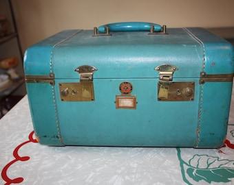 Cool Turquoise Blue Kessler Vintage Luggage NYC Travel Train Case