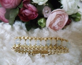 Statement metal bracelet with Crystal beads