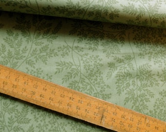 Ferns Mid Green from Sherwood Leaf Print Cotton Fabric by Makower per Fat Quarter and per metre FQ