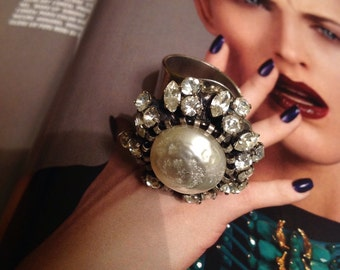 Vintage silver ring with Pearl