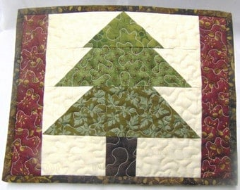 Handmade Quilted Christmas Tree Snack Mat, Mug Rug, Placemat, Candle Mat, Mini Quilt, Reversible