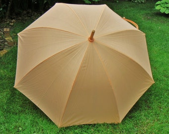 Vintage Fabric Umbrella, Calla Lily Lucite Handle, Large Parasol, Sun Shade, Fashion Prop